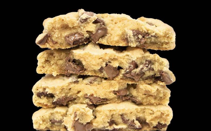 crumbl cookies-1.jpg
